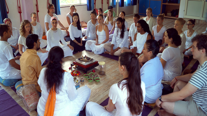 International Yoga Alliance Register 200 Hour Meditation Teacher Training in Rishikesh, India